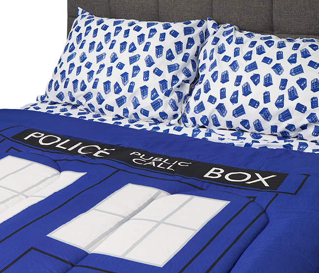 itjl_doctor_who_tardis_bedding